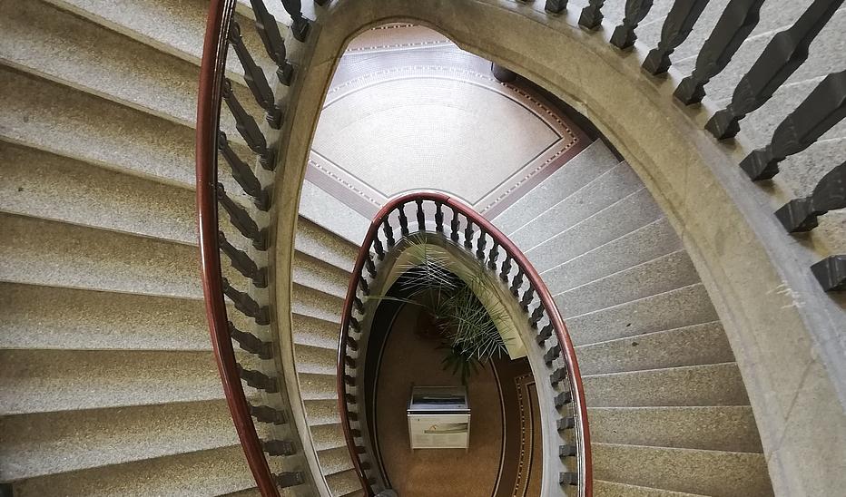 Treppe von oben nach unten